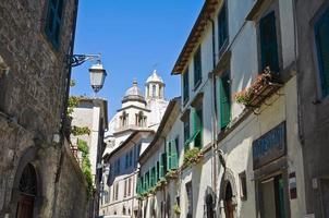steegje. montefiascone. lazio. Italië. foto