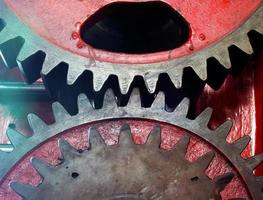 rondsel van mechanische machine in een fabriek foto