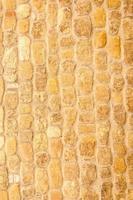 de oude bakstenen muur van een oude kerk in Pienza