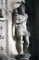 hoog-reliëf in niche, ubeda, spanje foto