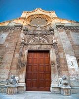 portaal van de moederkerk van manduria foto