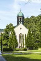 de spitalkirche is de oudste kerk in de stad foto