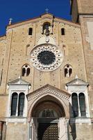 kathedraal gevel, Lodi, Italië foto