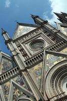 gevel van de kathedraal van orvieto foto