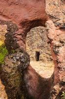 ethiopië, lalibela. moniolitische rots uitgehouwen kerk