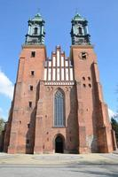 kathedraal basiliek in poznan foto