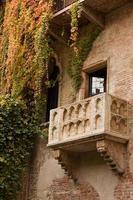 Juliet's balkon met klimop naar beneden foto