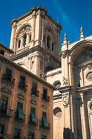gevel van de renaissancekathedraal, granada, andalusië, spanje foto