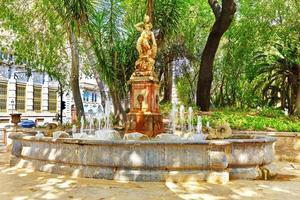 fontein in park - plaatsen van valencia foto
