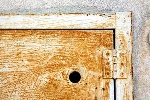 abstracte stalen deur varese italië sumirago foto