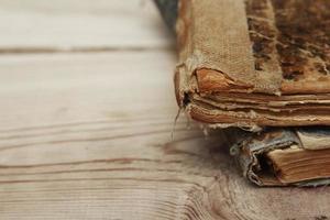 close-up van de oude textuur van boekpagina's foto