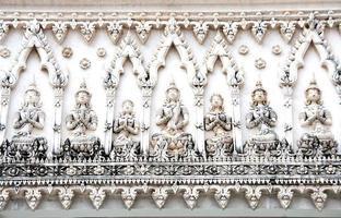 Thaise tempel antieke overwelfde galerij in Petchaburi, Thailand foto
