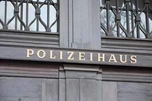 Duitse politiehuis uithangbord foto