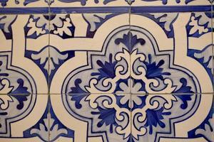 detail van portugese tegels foto