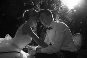mooie bruidspaar foto