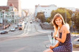 meisje in de stad foto