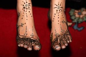 pieds dessins henné foto