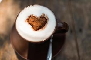 close-up van heerlijke warme chocolademelk foto