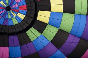 hete luchtballon dichtbij foto