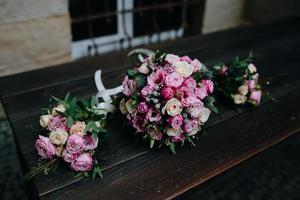 bruiloft boeket met rozen foto