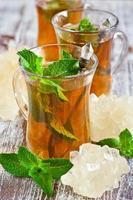 Turkse thee met munt foto