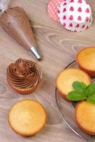 chocolade cupcakes versieren foto