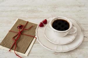 Valentijnsdag koffie set met wenskaart foto