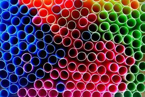 wegwerp plastic rietjes