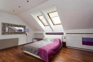 paarse luxe slaapkamer foto