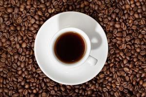 bovenaanzicht van espresso koffiekopje foto