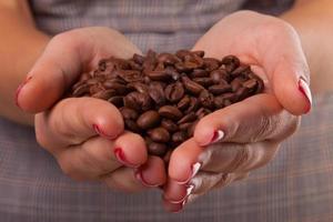 vrouw handen en bonen. foto
