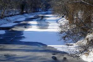 de bevroren rivier de Donau foto
