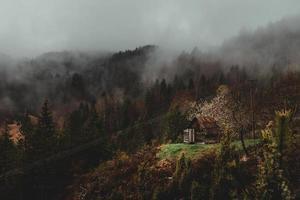 platteland heuvel tijdens de herfst