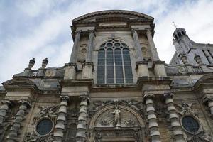 de gevel van de kathedraal van le havre foto