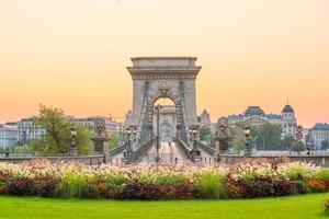 de skyline van downtown budapest, hongarije foto