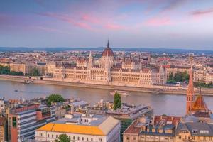 skyline van het centrum van boedapest in hongarije foto