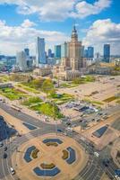 luchtfoto van de skyline van Warschau foto