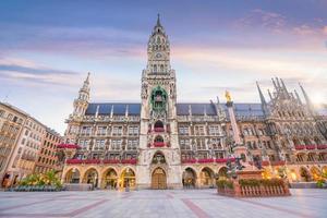 Marienplatz stadhuis foto