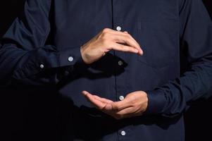 handen in bedrijf gebaar