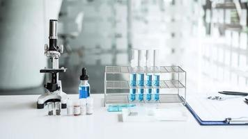 een zicht op een wetenschappelijk laboratorium