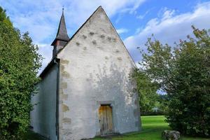 kleine kerk in zwitserland foto
