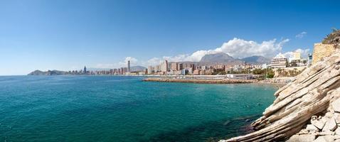 zonnige Spaanse kustlijn