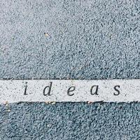 ideeën uitgehouwen op betonnen ondergrond