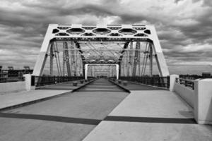 Shelby voetgangersbrug foto