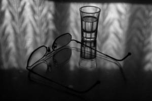 weerspiegeling van een bril foto