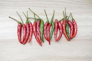 rode chili peper op de houten sleuvengraver