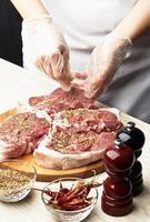 bereiding van lamsvlees. foto