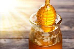 lepel met honing foto