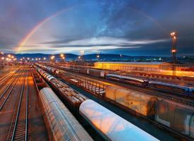 trein goederenvervoer platform - vrachtvervoer foto