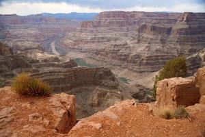 grand canyon en colorado rivier foto